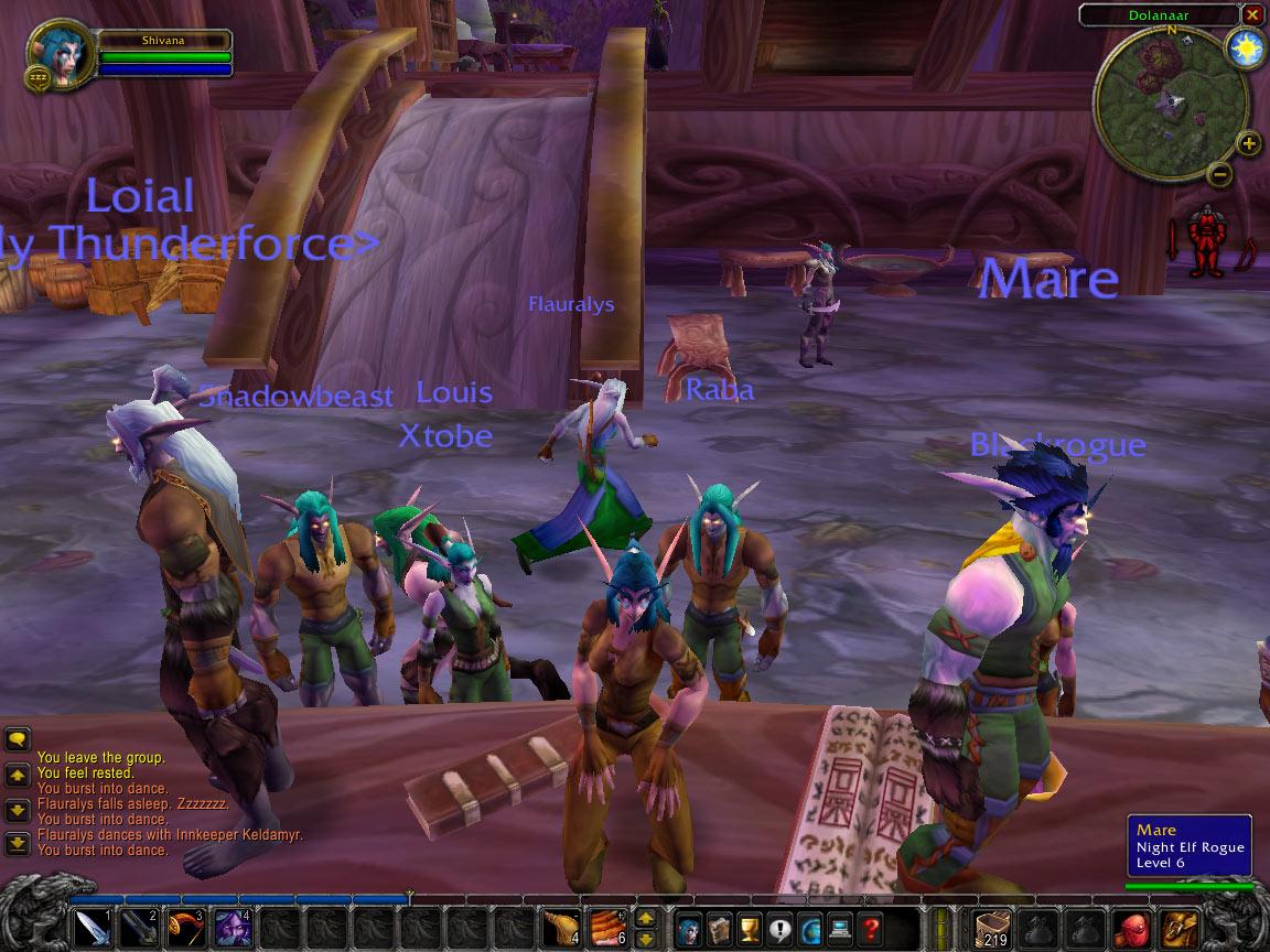 Quelques gogo danseuses... Screenshot envoyé par B3nni0B3nj0.