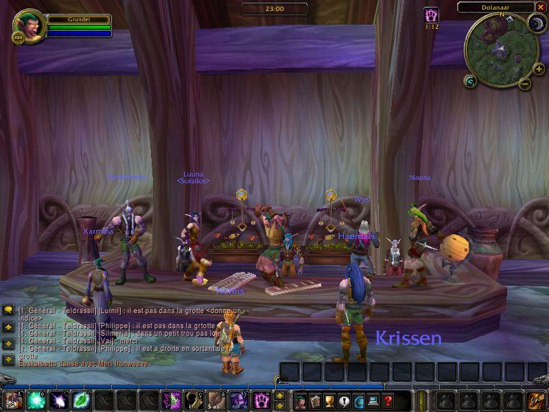 Premier groupe officiel de danse traditionnelle Elfe :p  Screenshot réalisé par Heresia.