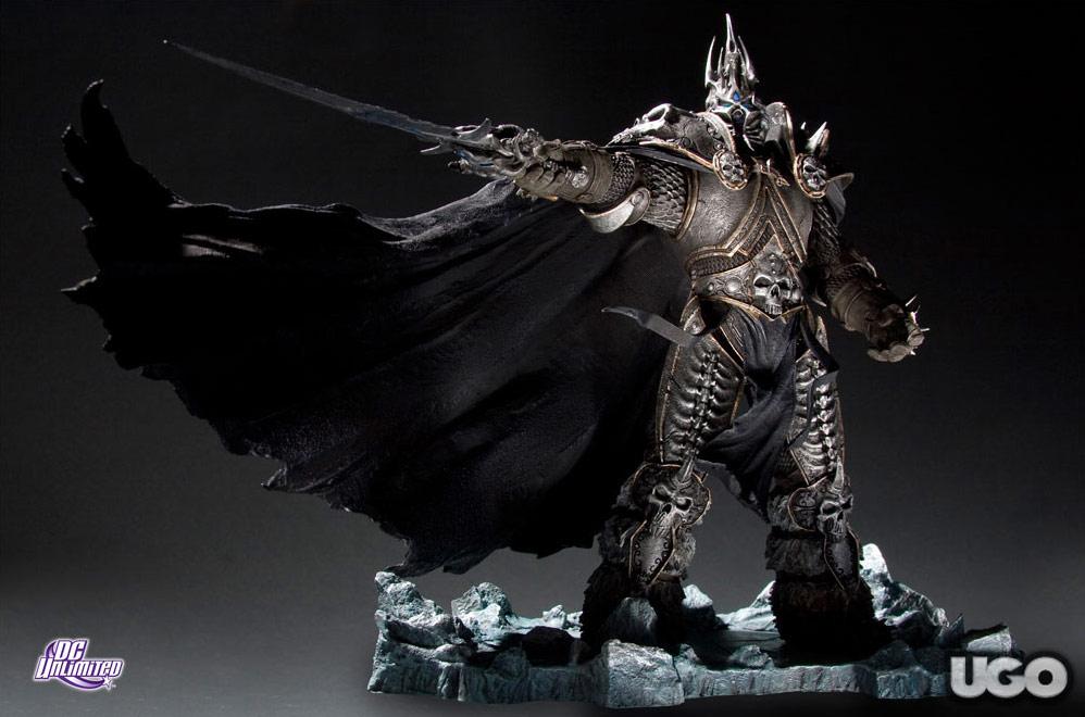 Figurine Roi Liche de DC Direct.